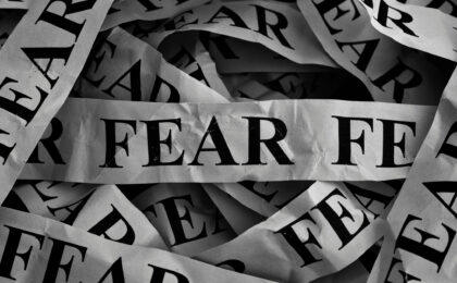 5 signs fear is holding you back in life